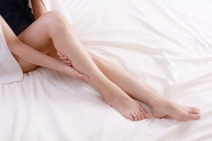 O脚の原因と治し方まとめ!お家で簡単に美脚を手に入れる方法!